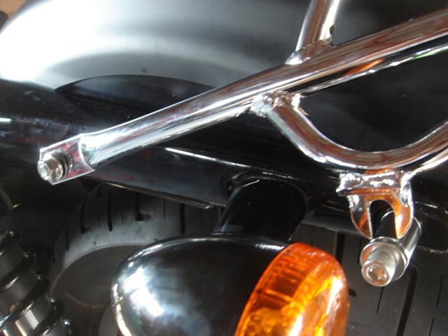 2010XL883N luggage rack3