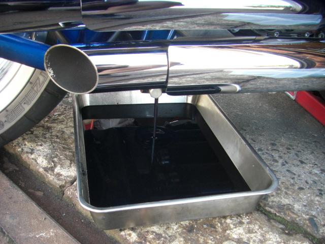 2009FXCWC エンジンオイル交換2