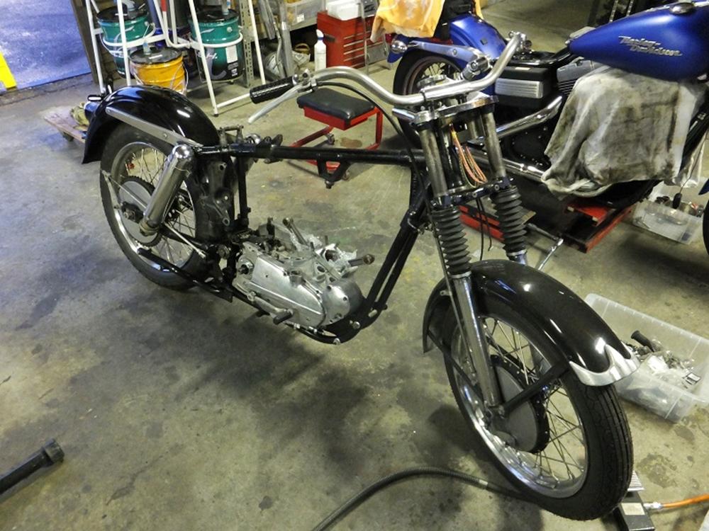 1956KHK エンジンマウントシム調整2
