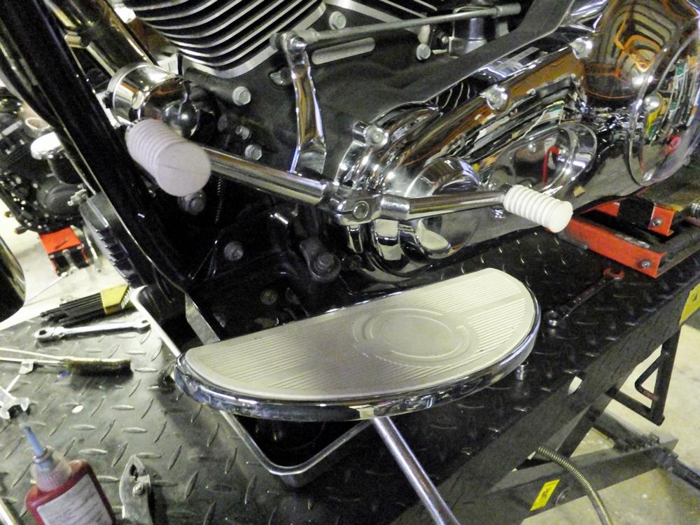 2003FLSTS バディーシート・グリップ・フロアボードカスタム2