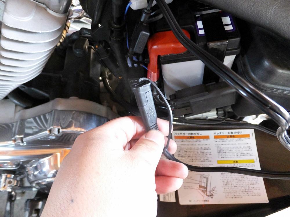 2007XL883L バッテリー・シート・キックスタンドエクステンション2
