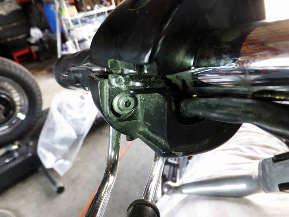 2010FXSTC テールライト ウインカー 配線修理2