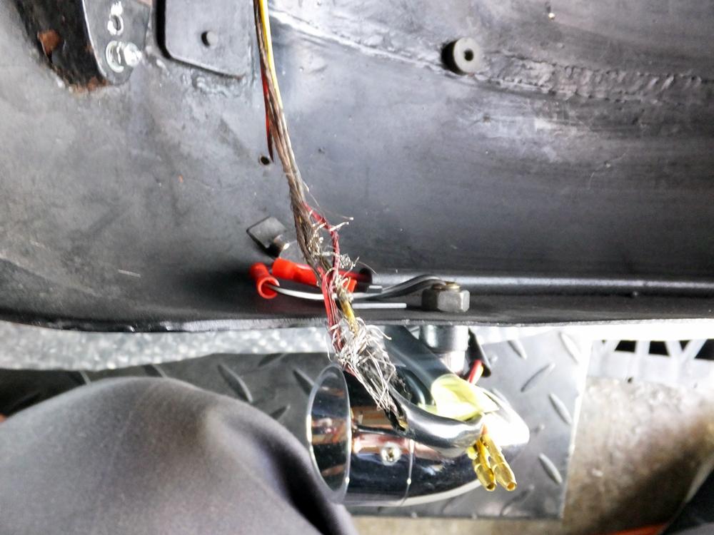 2010FXSTC テールライト ウインカー 配線修理4