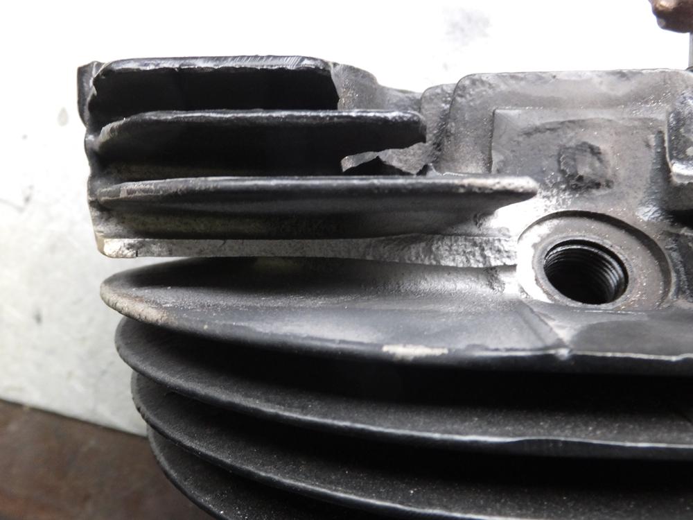 1969XLH900 アイアンスポーツ シリンダーヘッド フィン欠け再生修理1