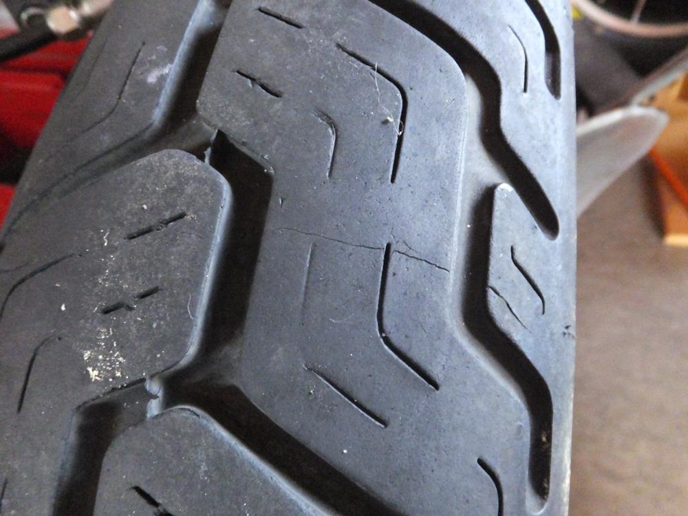 1998FLSTS 前後タイヤ交換 ホイールベアリンググリスアップ5