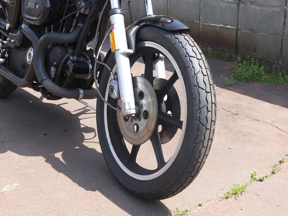 1977XLCR タイヤ交換2