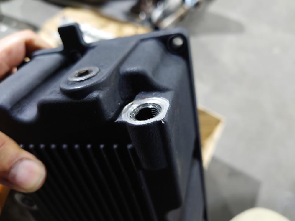 ハーレー ツーリングモデル エンジンオイル オイルパン ドレンボルト ネジ穴 修理4